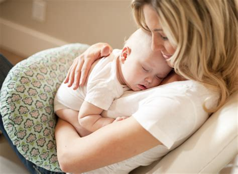 le coussin d allaitement qu en pensent les mamans dr 244 les de mums