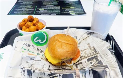 wahlburgers toronto mark wahlberg suen burger paul renee outpost donnie boston torontolife