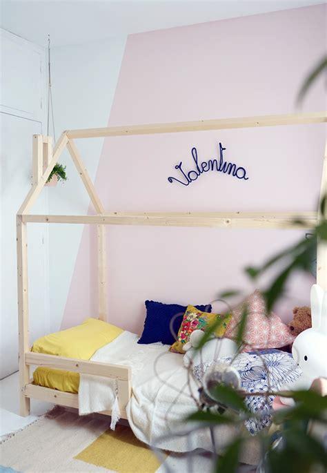 lit cabane enfant un lit cabane dans une chambre d enfant blueberry home