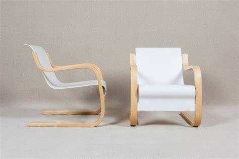 Alvar Aalto Easy Armchair · Pedras & Pêssegos