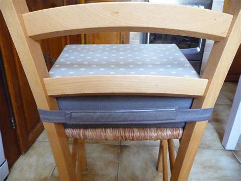 coussin rehausseur chaise un coussin réhausseur les boutiqueuses