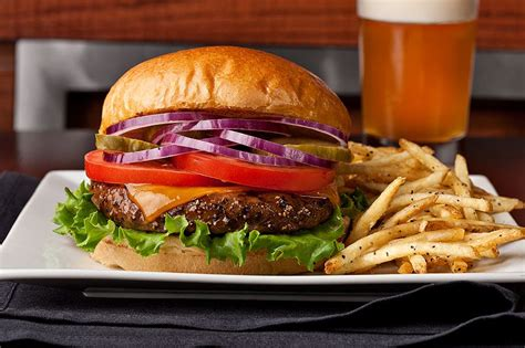 Who Makes The Best Burger In Dallas? 5 Contenders You