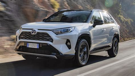 This was the first compact crossover suv. Toyota RAV4 Hybrid AWD Style (2019) - rijtest en ...