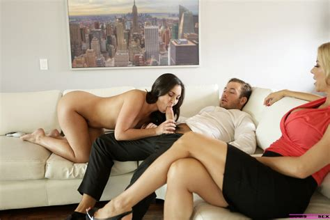 Alexis Fawx Teaches A Young Couple How To Fuck 1 Of 2