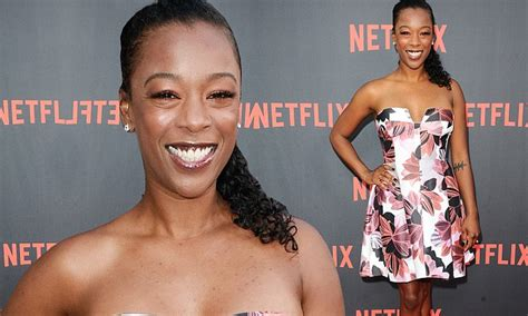Samira Wiley rocks florals at OINTB screening   Daily Mail ...