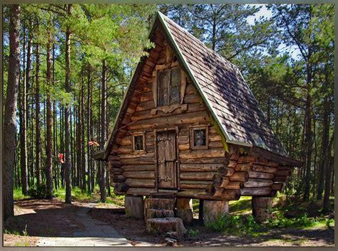 Das Hexenhaus In Den Russischen Wäldern  Tree House