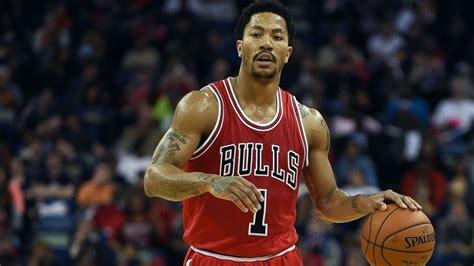 chicago bulls star derrick rose suffers  knee
