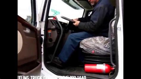adjust  steering wheel    volvo truck