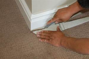 How to install wall to wall carpet icreatablescom for Carpet knife vs utility knife