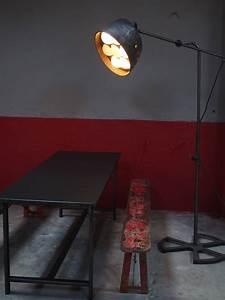 Lampe Sur Pied Industriel : lampe industrielle sur pied atelier carrossier r g levallois ~ Melissatoandfro.com Idées de Décoration