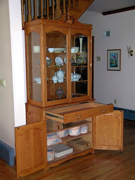 fine woodworking china cabinet