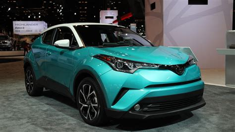 deal  teal toyota rolls   latest  hr crossover