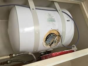 Chauffe Eau Electrique Horizontal : changement chauffe eau electrique horizontal ~ Edinachiropracticcenter.com Idées de Décoration