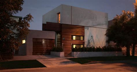 Modern Residence In Timisoara / Romania