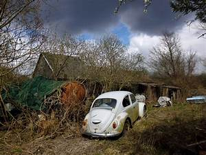 Voiture A Restaurer Gratuite : images gratuites voiture transport v hicule cass m tal auto vw beetle junkyard pave ~ Medecine-chirurgie-esthetiques.com Avis de Voitures