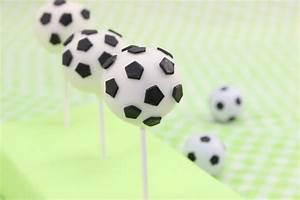 Fußball Torte Rezept : fu ball cake pops von amerikanisch kochende ~ Lizthompson.info Haus und Dekorationen