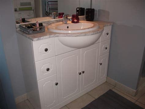 peindre meuble salle de bain