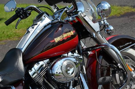 How Much Is A New Harley Davidson by Buy 2010 Harley Davidson Road King Classic Flhrc Classic