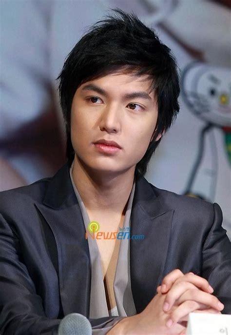 foto model rambut pria ala artis korea terbaik