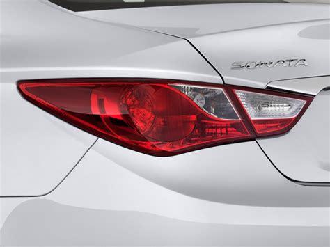 2011 hyundai sonata brake light bulb size image 2011 hyundai sonata 4 door sedan i4 auto limited