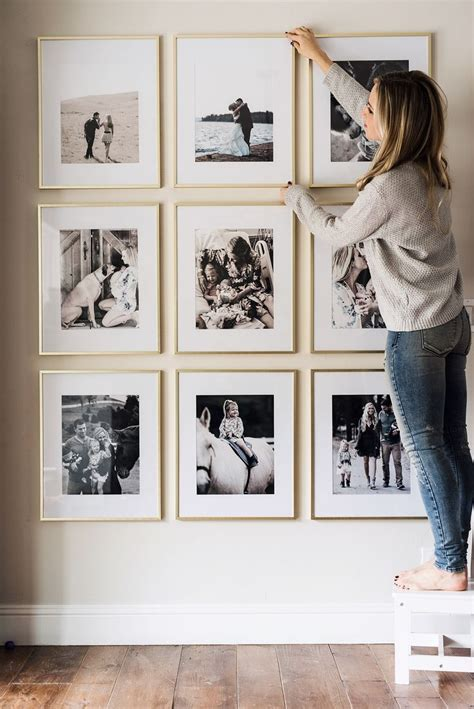 Wand Mit Bilderrahmen Gestalten by Picture Frame Wall Beautiful Space Budgeting And Spaces