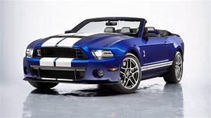 2013 Ford Mustang Shelby GT500 Convertible Drops Top In Chicago