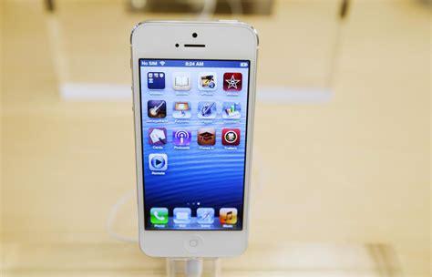 apple iphone features retina display beats