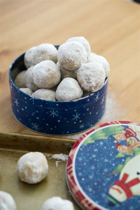 ultimate keto christmas cookies roundup ketoconnect