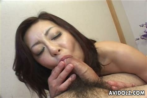 Japanese Milf Miyuki Kisaragi Knows Well How To Give