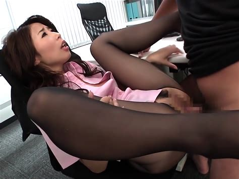 Sexy Asian Office Lady Shinoda Ayumi Shows Off Sexy Ass