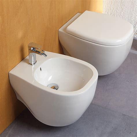 vaso bidet sanitari sospesi design wc completo di copri vaso soft