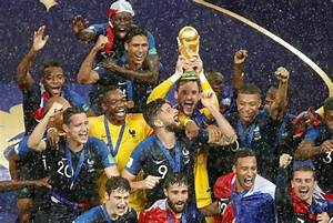 France celebrates World Cup win | The Daily Star