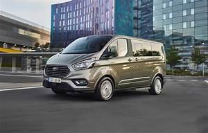 Nouveau Ford Custom : les meilleures places sont dans le nouveau ford tourneo custom ~ Medecine-chirurgie-esthetiques.com Avis de Voitures