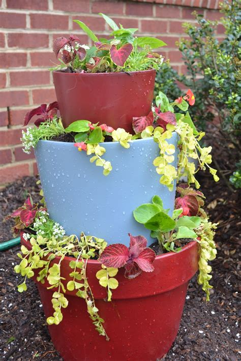 flower pot planters ideas stacked flower pots tutorial thehollierogue