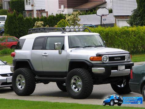 toyota cruiser lifted lifted fj cruiser trucks that look like toys