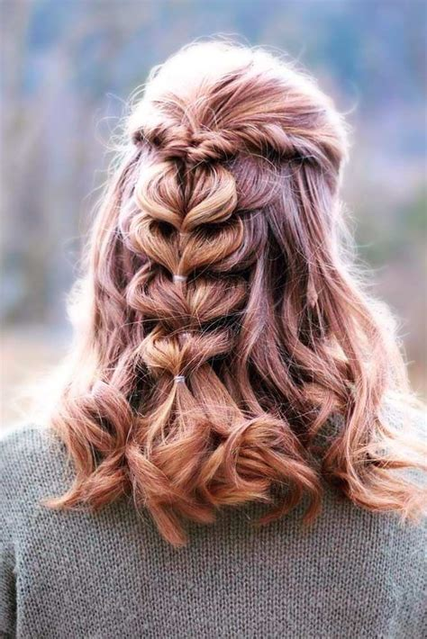 24 Chic Hairstyles for Prom to Let You Be Amazing Chic