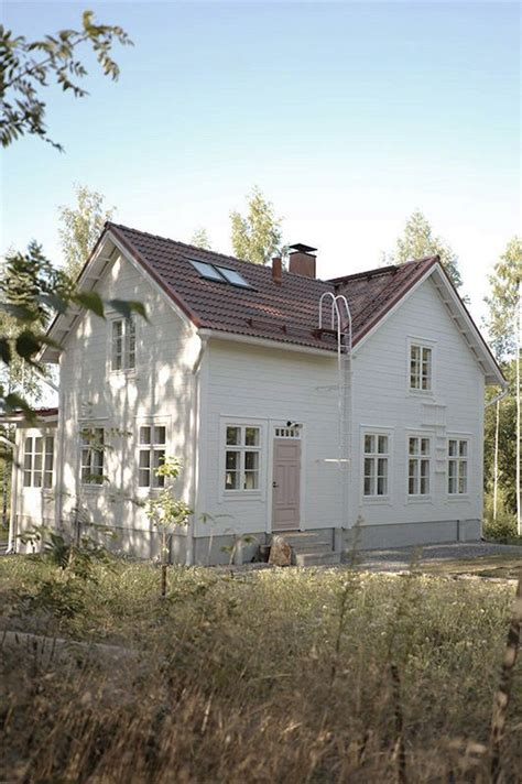 Scandinavian Country House by P 246 Mpeli Pompeli Traditional White Log House