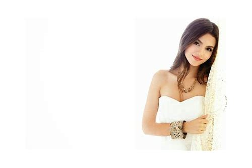 download victoria justice here's to us mp3