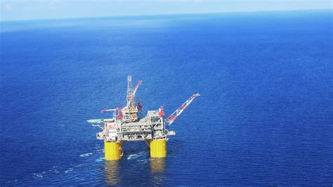 Up Close And Personal With A 40-story Oil Rig In The Gulf