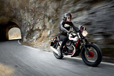 Moto Guzzi V7 Iii Backgrounds by 2013 Moto Guzzi V7 Racer W Wallpaper 2000x1333 88009