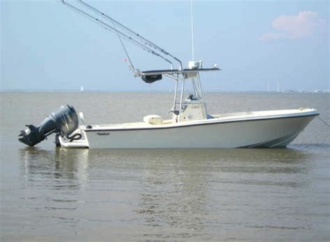 Mako Boats Problems by Mako With A Bracket Engine Question The Hull