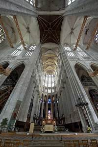 Seat Beauvais : cathedral st pierre of beauvais interior 07 stock photo image of beauvais cathedral 42253826 ~ Gottalentnigeria.com Avis de Voitures