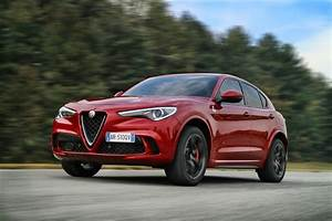 Alfa Romeo Stelvio Versions : alfa romeo stelvio quadrifoglio highlighted in new photos autoevolution ~ Medecine-chirurgie-esthetiques.com Avis de Voitures