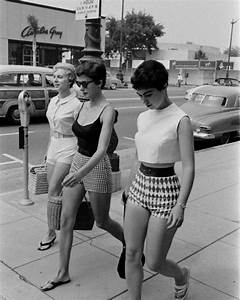 60 Jahre Style : 25 best ideas about sixties fashion on pinterest 1960s fashion the sixties and 60s style ~ Markanthonyermac.com Haus und Dekorationen