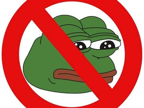 Alien Frogs ''pepe Meme'' Controlling Us