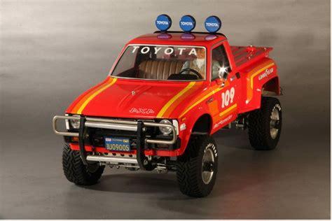 58028 toyota 4x4 up from tamor showroom box tamiya rc radio cars