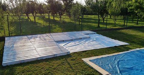 using just 43 pallets she builds a gorgeous patio oasis