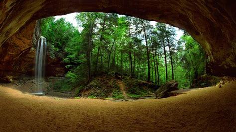 Cueva en el bosque - 1366x768 :: Fondos de pantalla y ...