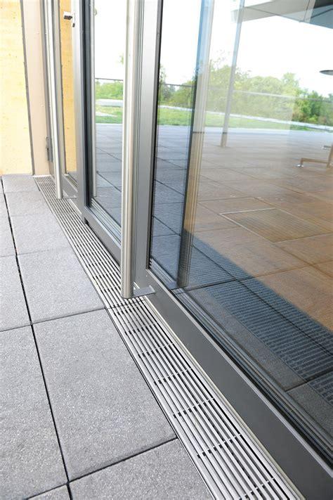 Entwässerung Terrasse Rinne by Entw 228 Sserung Terrasse Rinne Dachterrasse Rinne Balkon