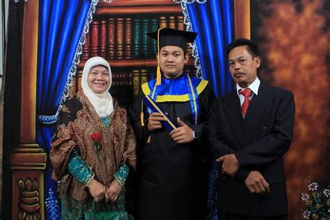 contoh foto wisuda portofolio foto yono maulana